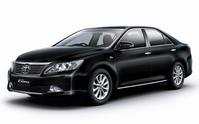 lap-dinh-vi-cho-xe- Toyota camry